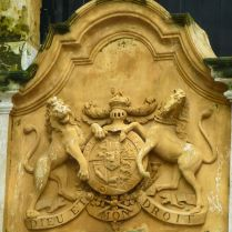 "British crest added in 1796, ""Dieu et mon droit"" ""God is my right"""